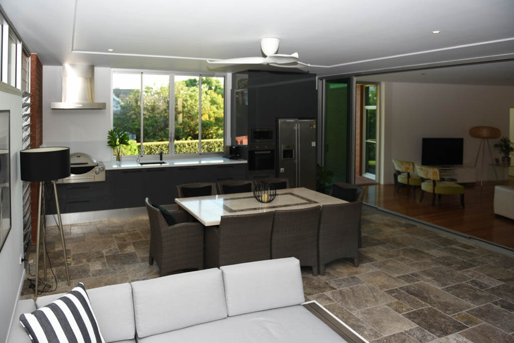 Newly Built Entertaining Area Overlooking Pool